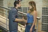 """Hoje, em """"Sol Nascente"""": César termina namoro com Sirlene: """"Você fede apobreza""""!"""