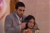 "Reta-final de ""Sila – Prisioneira do Amor"": Murat invade casa de Boran e faz Ayse derefém!"
