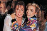 """""""Túnel do Tempo"""": Thalía e Laura Zapata invertem papéis de mocinha e vilã em especial de """"Maria Mercedes""""(1992)!"""