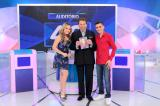 "Larissa Manoela e Dudu Camargo participam do ""Programa Silvio Santos"" destedomingo"